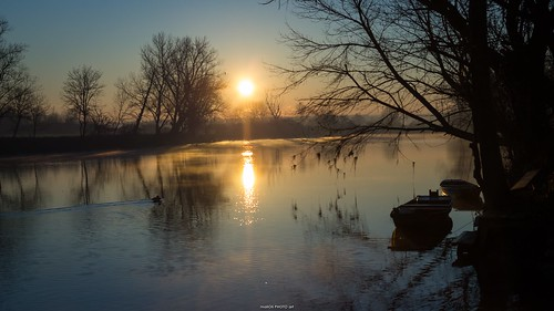 sun water sunrise canon river croatia rays sunrays hrvatska sunburns karlovac korana