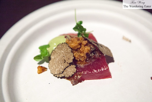 Ensalada de Atún - Chopped tuna, quinoa, avocado aioli, chile de arbol oil, black truffle shavings by Toloache