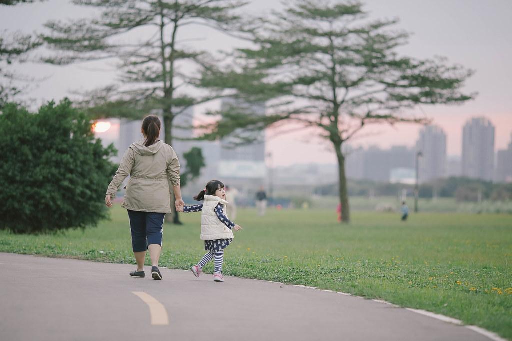 黃昏散步好開心