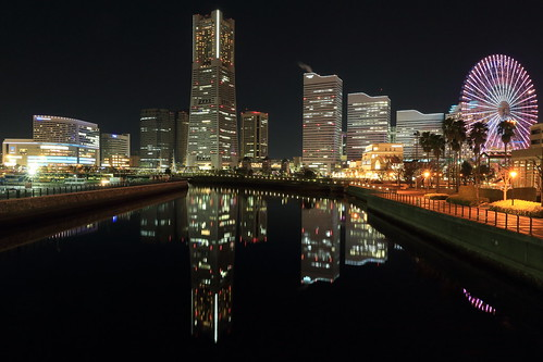 building night reflections view yokohama 夜景 minatomirai 横浜 みなとみらい 万国橋