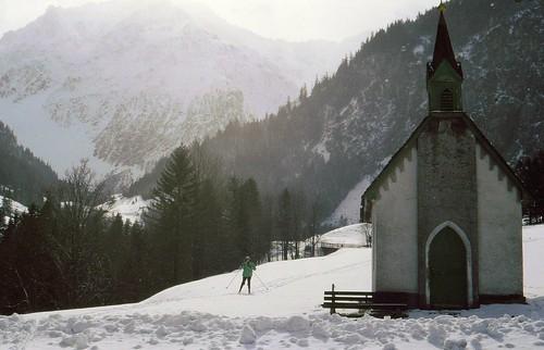 Winter in Brand, Vorarlberg, Kapelle neben der Loipe,  73279/4721
