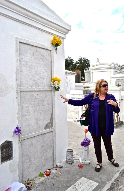 cemetery Tours in New Orleans - Marie laveau grave