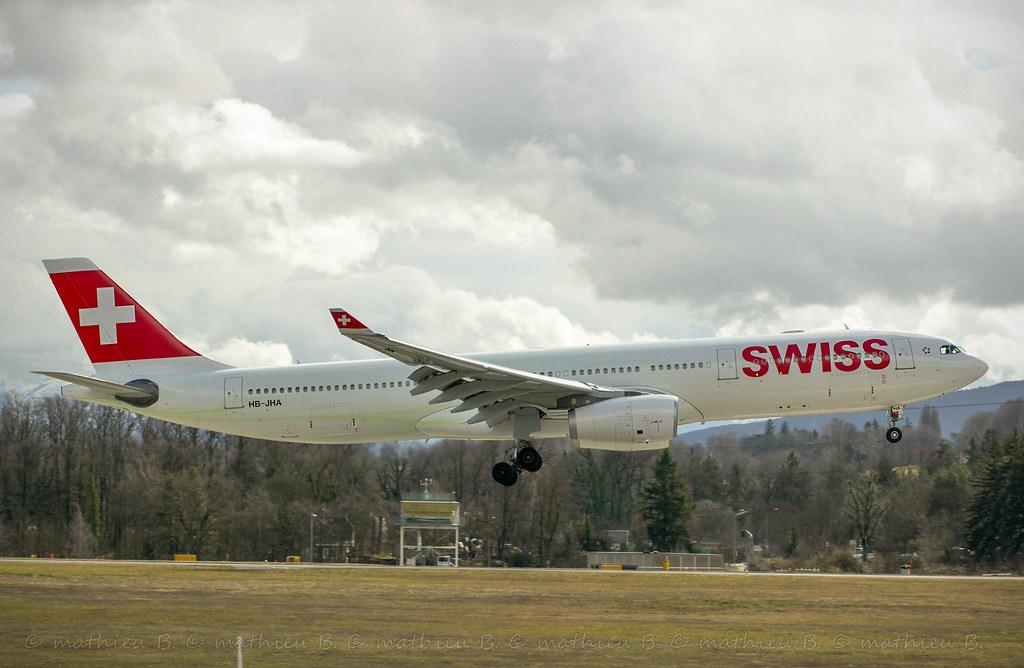 Aéroport de Genève-Cointrin [LSGG-GVA] 16094660324_4d0c799c96_b