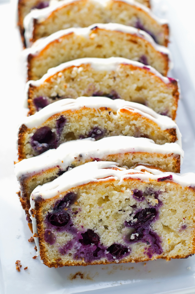Lemon Blueberry Bread - A moist lemon poundcake studded with fresh juicy and plump blueberries! #blueberrybread #blueberrycake #poundcake #lemoncake #lemonblueberrycake | Littlespicejar.com