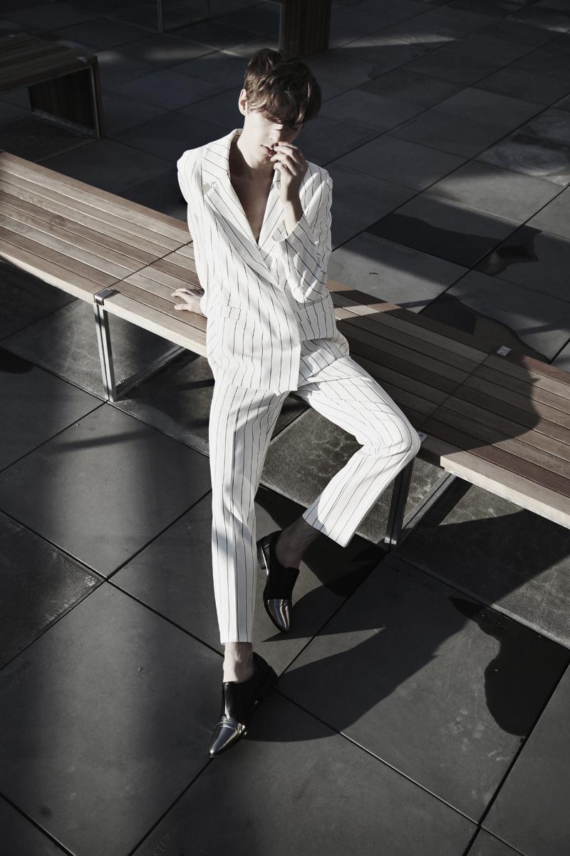 mikkoputtonen_fashionblogger_london_weekday_suit_onar_studios_rachelZoe_outfit4_web