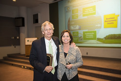 Dr. Orlowski presents Jim Gross with SOPHE Award at DO Lecture
