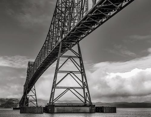 bw bridges columbiariver astoriaoregon