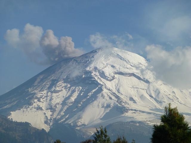 - Volcan Popocatepetl