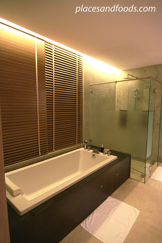 sri panwa suite bathroom
