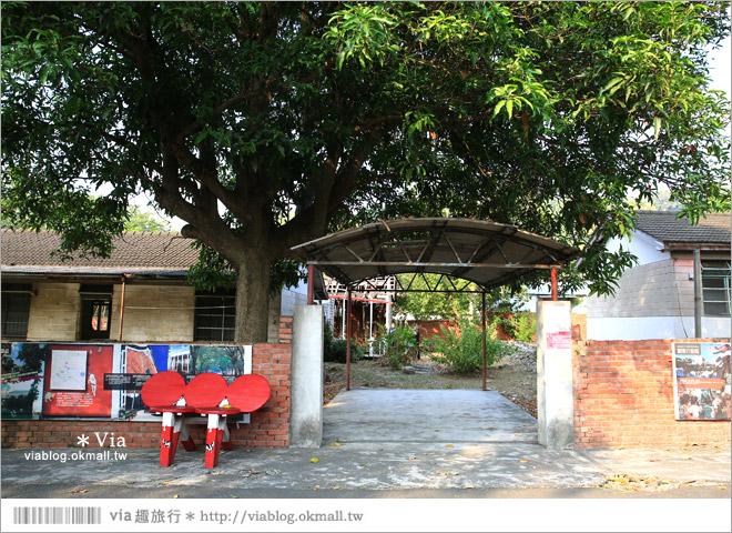 【台中霧峰景點】台中光復新村~可愛的造型椅林立、讓老眷村重新充滿新活力!32