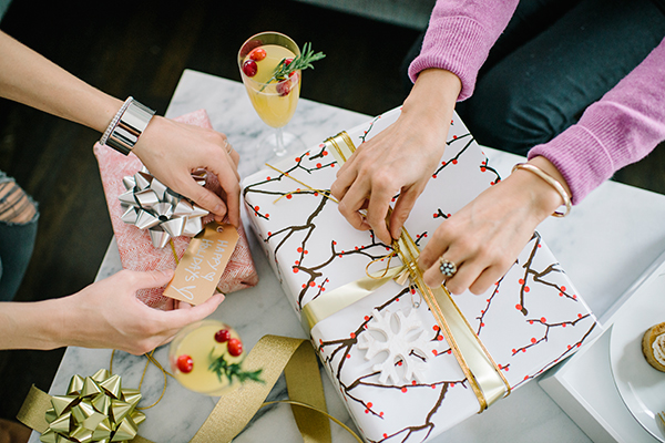 eatsleepwear, ecco-domani, prosecco, gift-wrap, holiday, 4