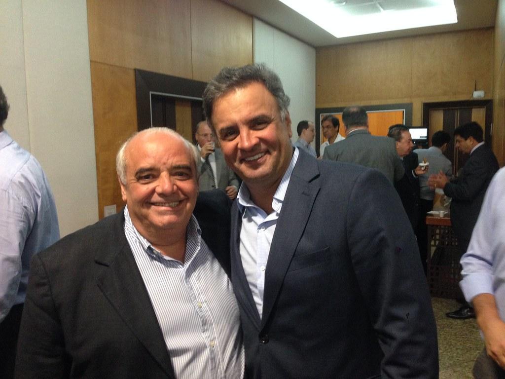 encontro dos partidos de base aliada, juntamente com o senador e presidente nacional do PSDB, Aécio Neves (1)