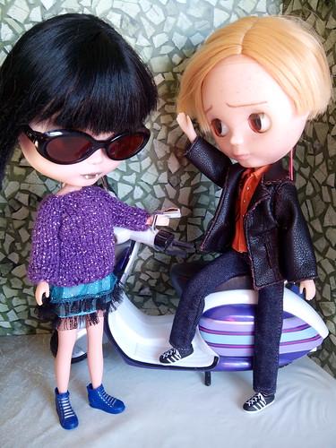 - Uriel: Hola Marceline. Que bien te veo. - Marceline: Veo que tu ego ha subido con tu estirón.