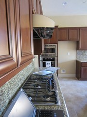 under-cabinet-range-hood