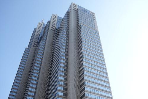 "Shinjuku_10 ""新宿パークタワー"" の写真。 北側の面の左方直下から見上げての撮影。"