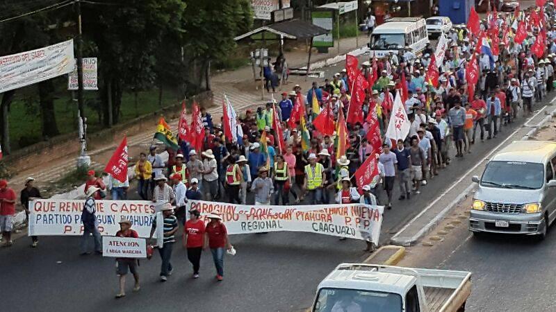 grande marcha patriotica chegando em asunción.jpg