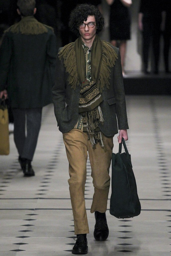 FW15 London Burberry Prorsum004_Piero Mendez(VOGUE)