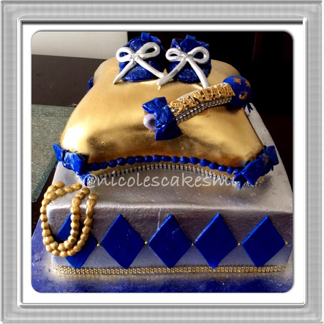 royal baby shower cake royal prince baby shower cake i really like the rhineston 7150