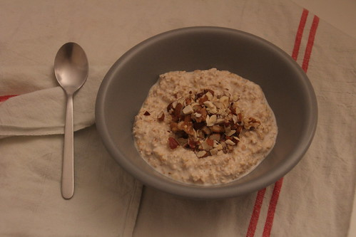 Porridge cru aux fruits secs