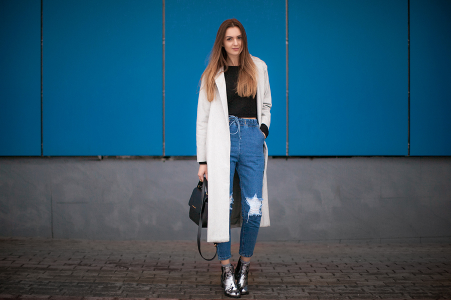 street-style-grey-coat-fashion-blogger