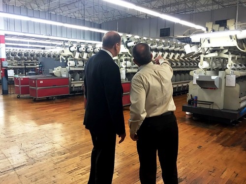Senator Shelby touring The Dixie Group in Randolph County.