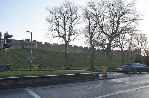 【写真】2014 世界一周 : ヨーク・城壁(駅周辺)/2020-12-26/PICT7258