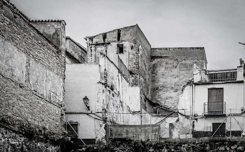 Solares y casas abandonadas-3