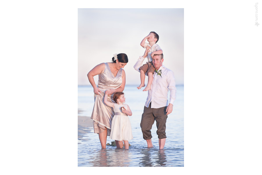 Family. family photographer Cook Islands