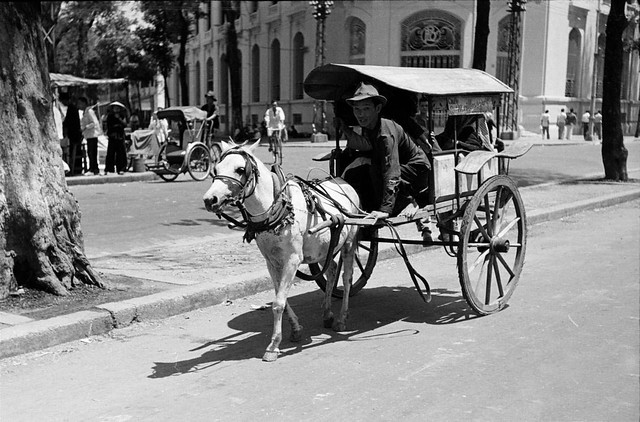SAIGON 1950 - Photo by Carl Mydans