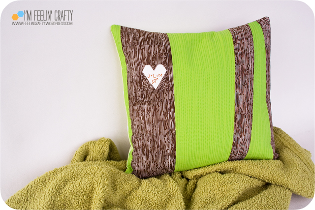 VdayPillow-Main-ImFeelinCrafty