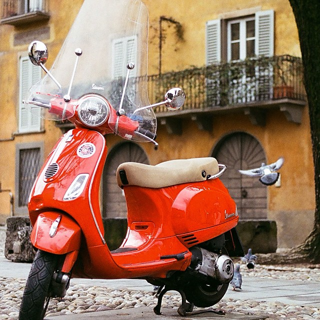 #cliche but I really can't help myself #bergamo #vespa #italy #film #ektar100 #r4 #leica