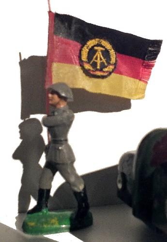 Lineol portabandiera DDR