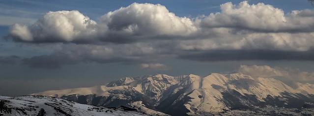 Abruzzi: la Majella vista dal versante meridionale del Gran Sasso