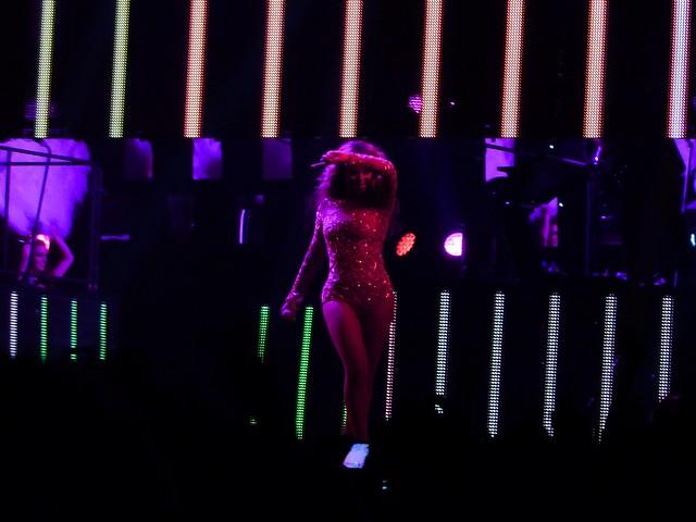 Beyoncé - The Mrs. Carter Show - Bercy, Paris (2013)