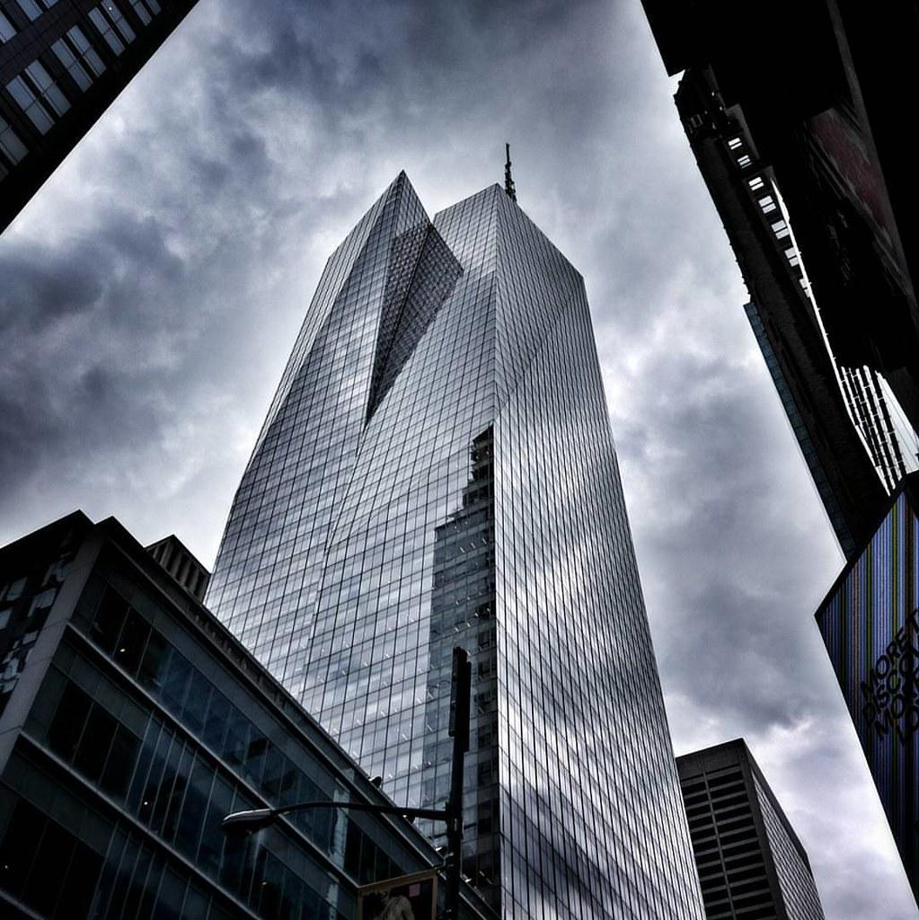 Sky in Glass  #Newyork #nyc #newyorkcity #manhattan #Travel #travelgram #trip #sky #clouds #cloudporn #lookingup #reflection #skyscraper #Architecture #archilovers #modern #building #city #street #iloveny #ilovenyc #newyorkphoto #instacool #instanewyork #