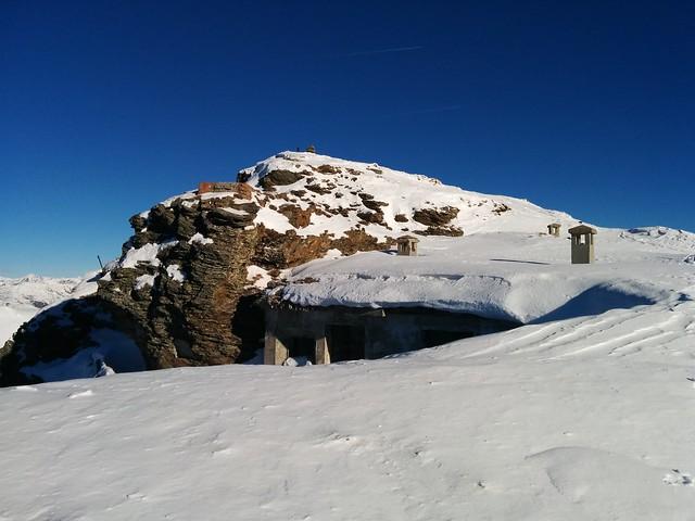 Kriegsbunker mit Blick auf den Hornisch-Eck-Gipfel