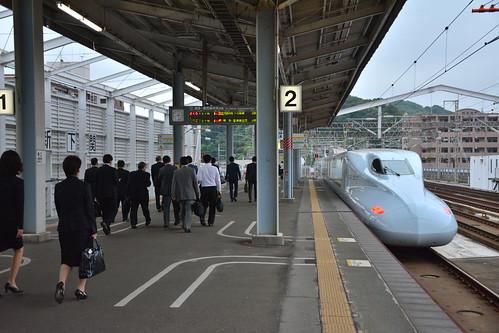朝の新下関駅