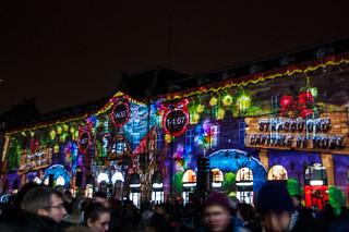 Spectacle de lumière sur la facade de l'Aubette sur la Place Kléber