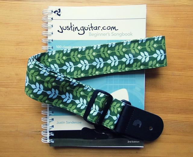 Leafy Guitar Strap3