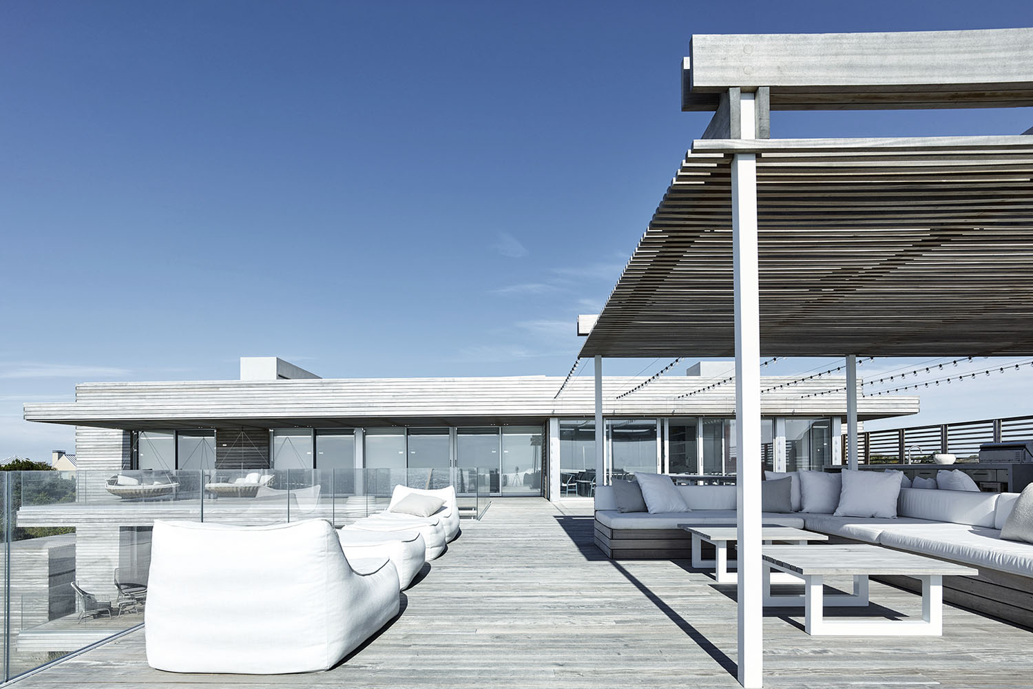 mm_Ocean Deck House design by Stelle Lomont Rouhani Architects_16