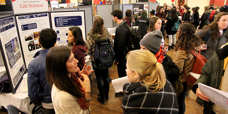 The large turnout in Grant Hall for Majors Night included student representatives and academic advisors from across campus.