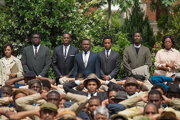 David Oyelowo (center) holds it together in SELMA.