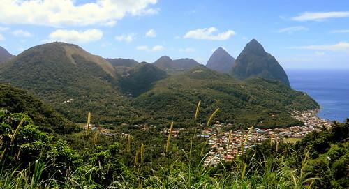 mountain berg montagne peak jungle caribbean stlucia soufrière westindies pitons petitpiton