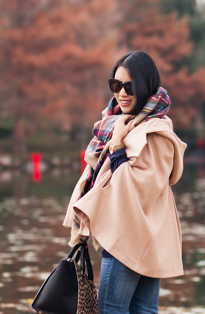 cute & little blog | petite fashion | maternity bumpstyle third trimester 33 weeks | khaki cape, plaid blanket scarf, clare v sandrine leopard satchel, hunter tour red boots | fall winter outfit