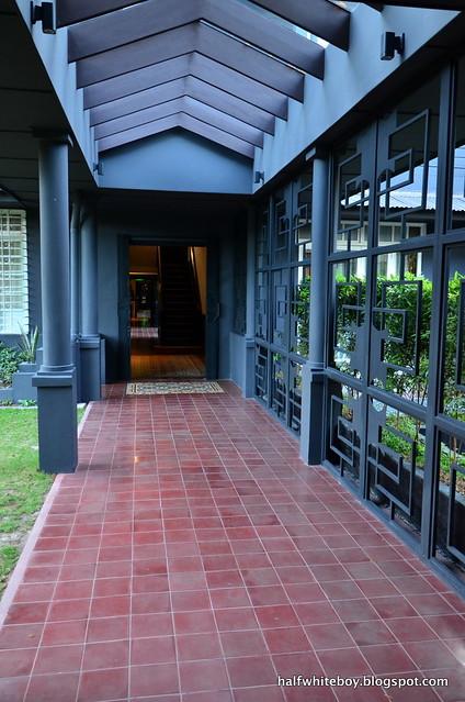 the henry hotel manila 05