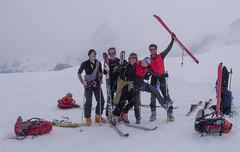 Nasza grupa na przełęczy Col de Valpeline  3568m - za moment ostatni zjazd do Zermatt.