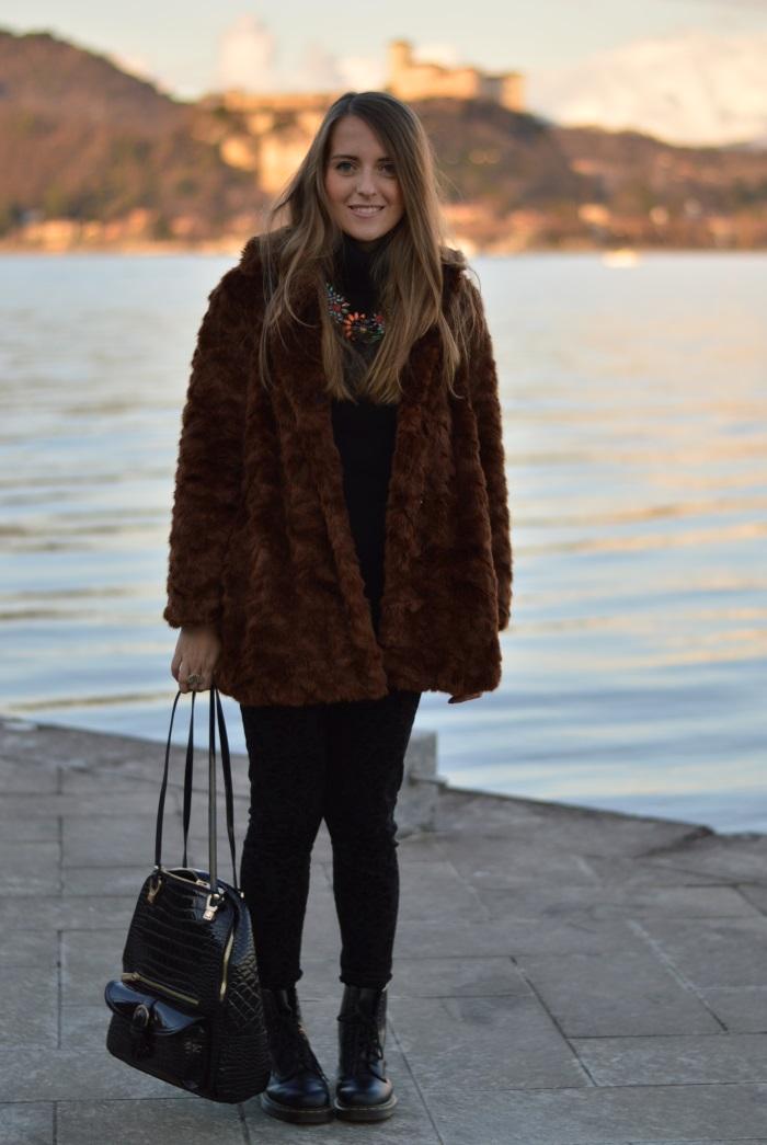 arona, tramonto, faux fur, Zara, bugie by coccoli, cigno, fotografia, Lago maggiore, Verysimple, look, outfti, wildflower girl (2)