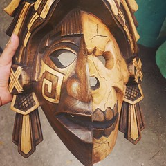 This Mayan mask represents birth and death as part of a never ending cicle of human evolution through life and the afterlife as it was understood by the mayas. Death was followed by lavish preparations for the next life after passing through #Xibalba