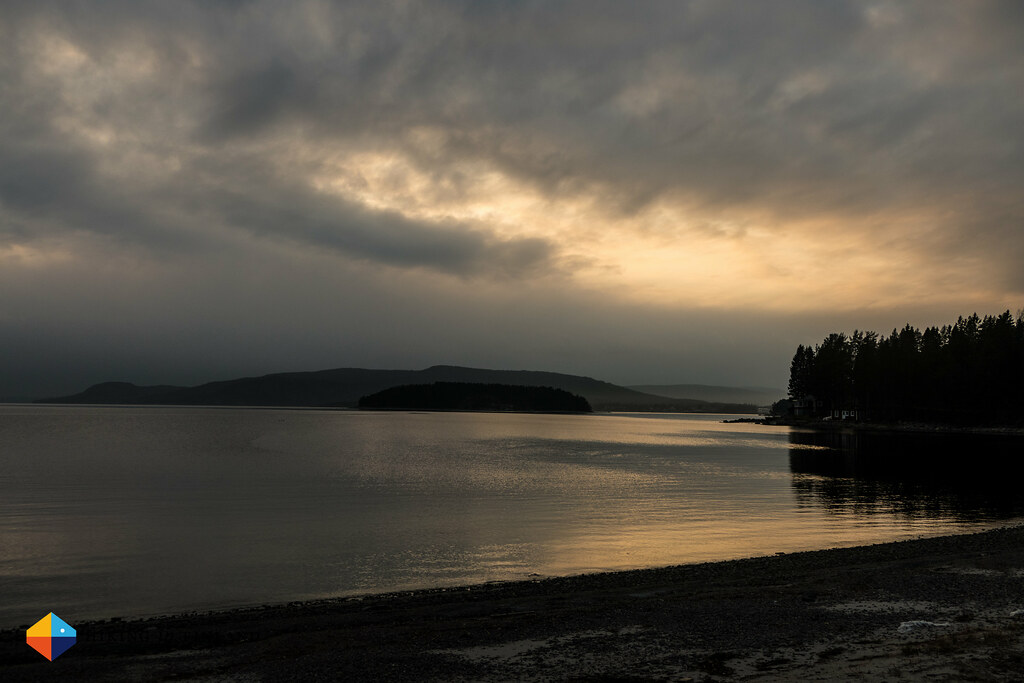 A view over the sea towards a moody sky over the Archipelago