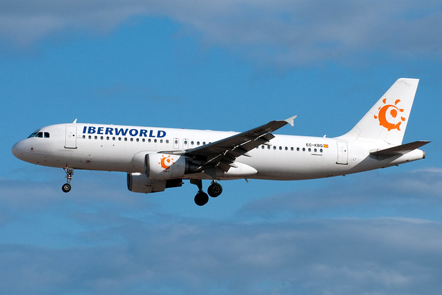 Iberworld_A320_EC_KBQ_TFS_20090522_0011048_Colormailer_Flickr